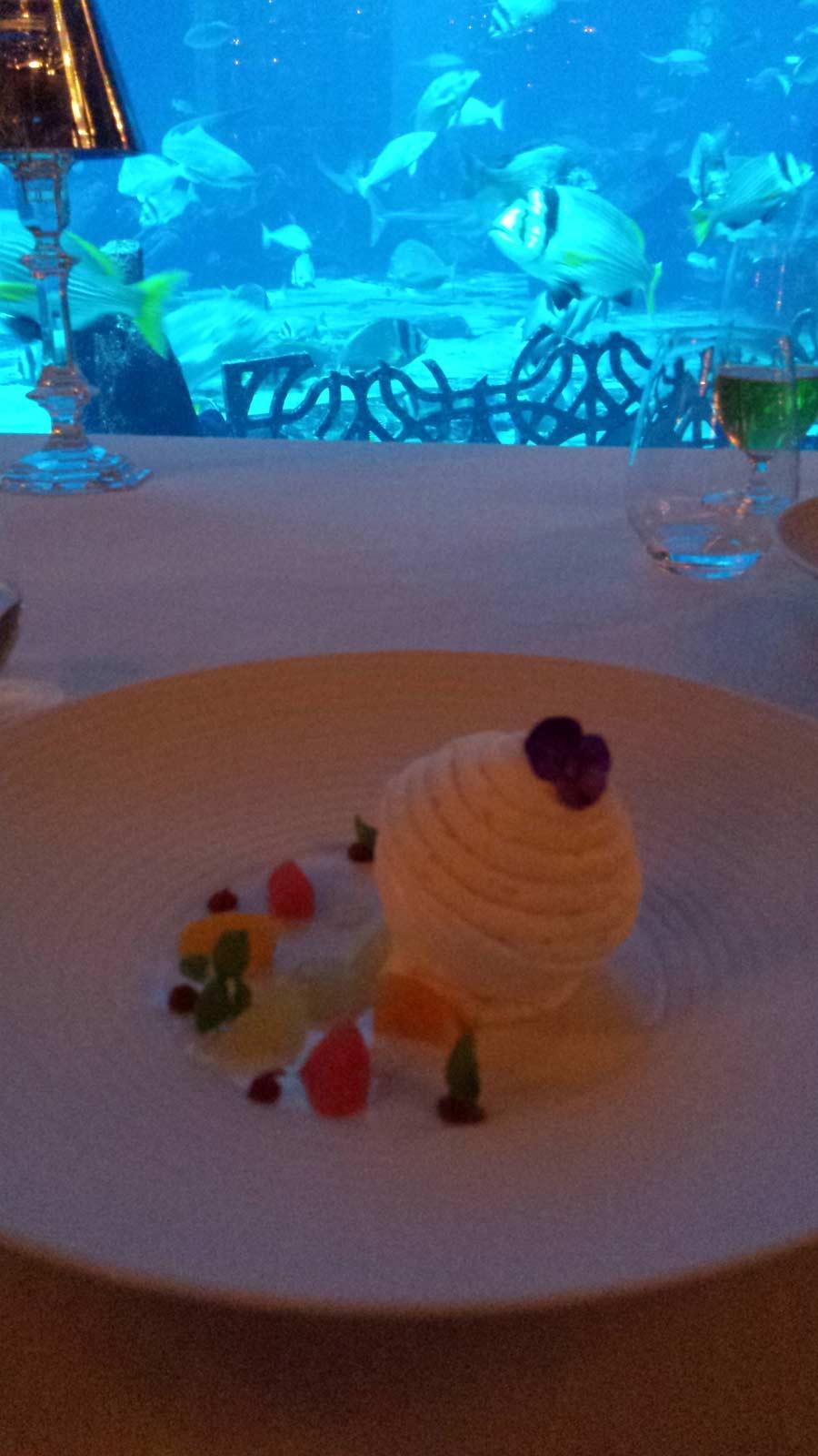 Vacherin-agrumes,-meringue-,-oragne-blossom