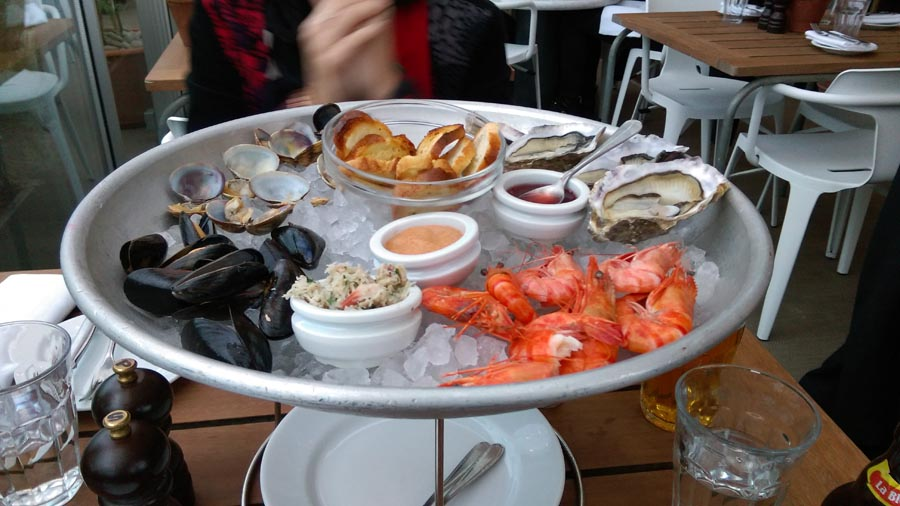 Boundary fish platter