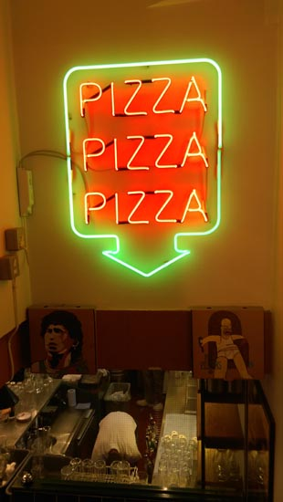 Pizza Pilgrim sign